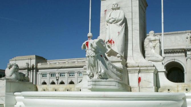 Събориха паметник на Христофор Колумб в САЩ