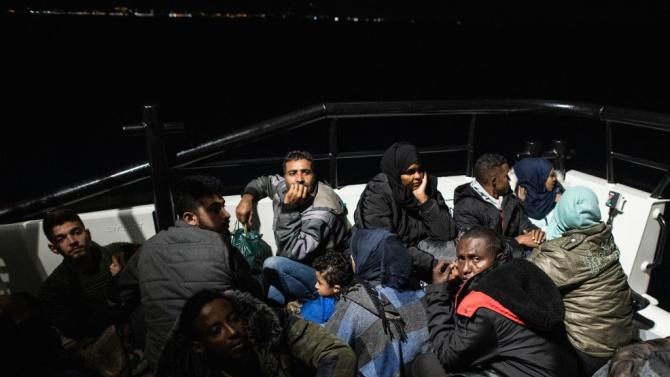 От Средиземно море бяха извадени телата на над 60 мигранти