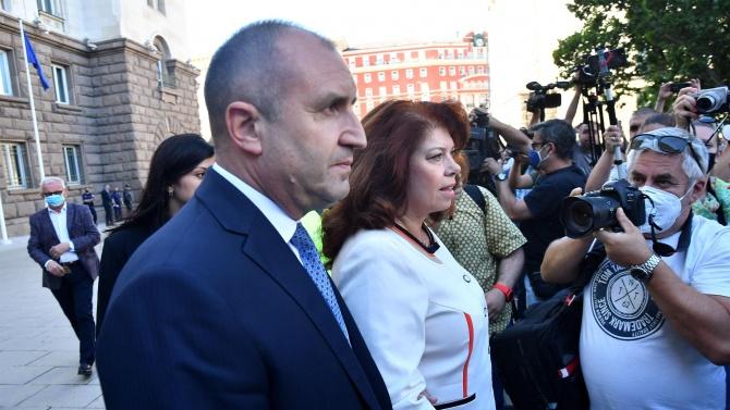 Конституционен съдия разкри може ли Радев да иска оставката на Иван Гешев