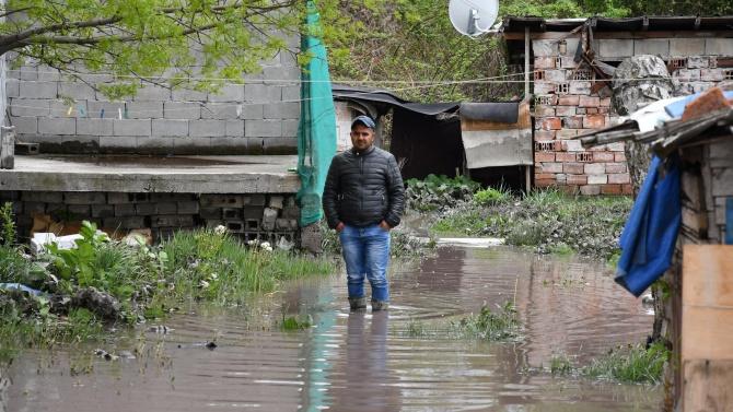 Защо и след 30 години хиляди българи по вода ходят, но жадни стоят