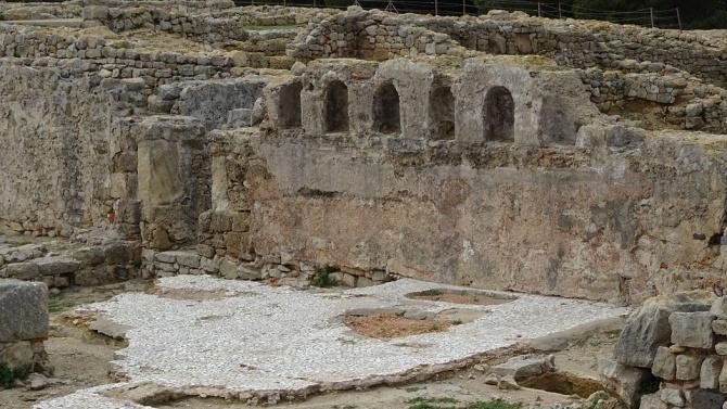 Надпис на латински език откриха при разкопките на Хераклея Синтика