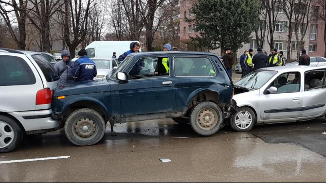 Верижна катастрофа в Бургас, има ранен човек