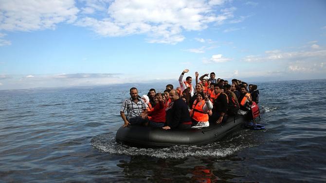 Великобритания регистрира нов дневен рекорд за брой мигранти, прекосили Ламанша от Франция до британските брегове