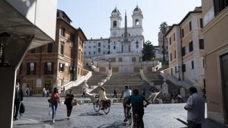 Италия запазва карантината за идващите от България