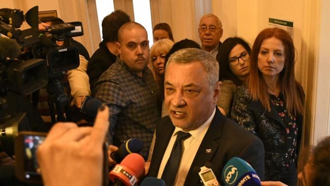 Валери Симеонов: Президентът да каже какви са му връзките с Божков и Маджо