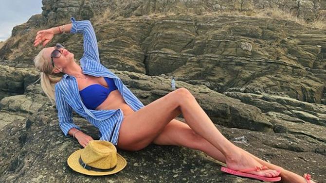 Майката на Луиза Григорова зашеметява по бански на 50