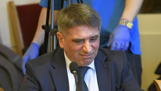 Оставката на Данаил Кирилов се оказа изненaда за всички