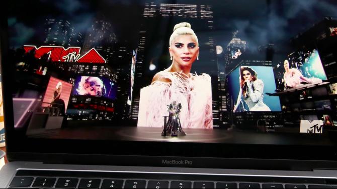 Лейди Гага доминира на видео музикалните награди на MTV
