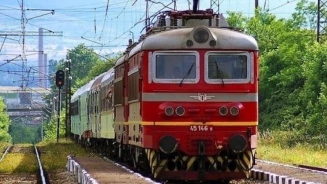НКЖИ отлага възстановяването на движението между гарите Карлово и Антон