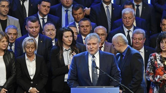 Лидерът на СДС Румен Христов обезпокоен от БСП и площадната коалиция