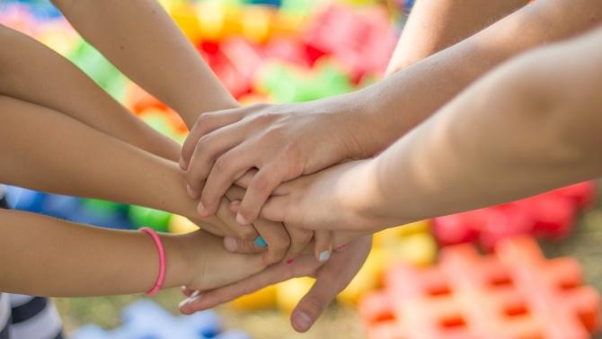 Не на агресията сред децата! Песен призовава за толерантност