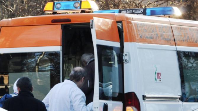 Кола блъсна 14-годишно дете в София
