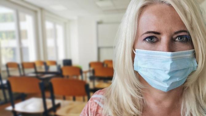 Учители и медицински лица са положителни за COVID-19 в област Пазарджик