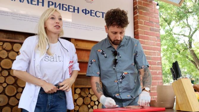 Рибни ястия, игри и концерти във Варна