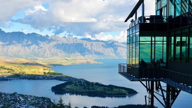 Партиите в Нова Зеландия спорят предизборно за COVID-19, икономиката, данъците и жилищното настаняване