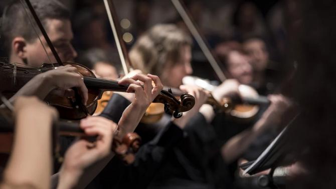 Студенти дирижират концерт с творби от ренесанса, барока, романтизма и съвременна музика