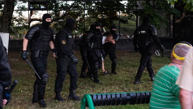 """Беларус: Консолидация на опозицията и """"терористи"""""""