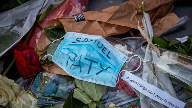 Френските училища отново отвориха врати с церемонии в памет на учителя Самюел Пати