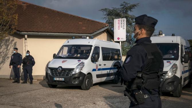 Френските власти водят 187 разследвания след убийството на Самюел Пати