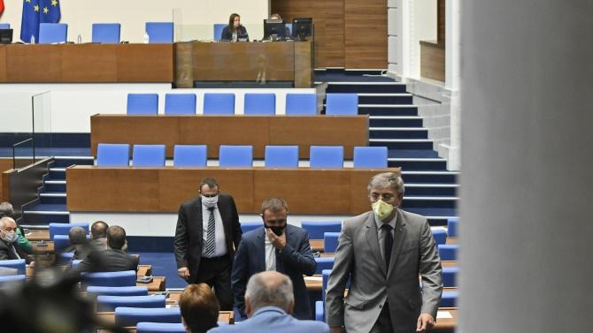Има тяло – няма тяло в парламента: Как депутатите си губят времето с празни приказки