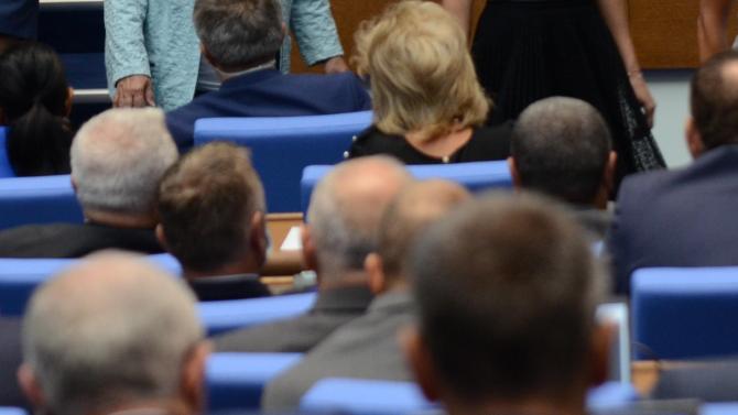 Парламентът разреши на държавни и общински служители да участват в бордовете на търговски дружества срещу възнаграждения