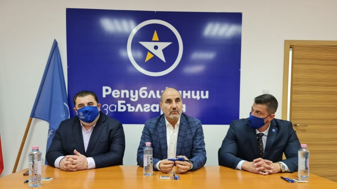 """Цветанов: """"Републиканци за България"""" е алтернатива на сегашното статукво, защото не е лидерска партия"""