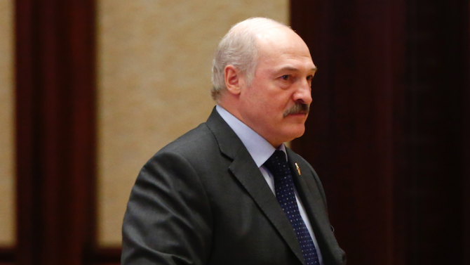 Лукашенко: Ще се оттегля, когато бъде приета нова конституция на Беларус