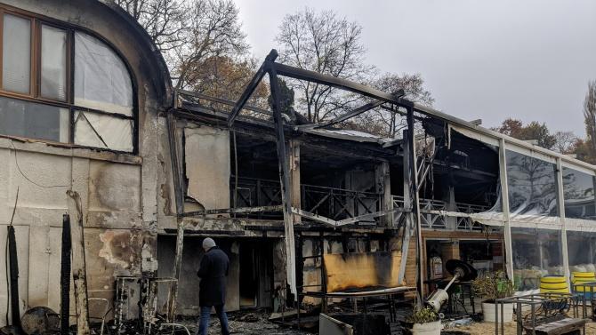 Известно плажно заведение изгоря във Варна