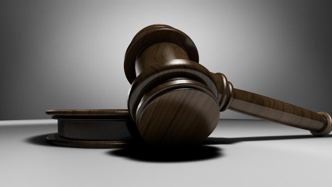 Трима души отиват на съд във Варна за опит за източване на европейски пари