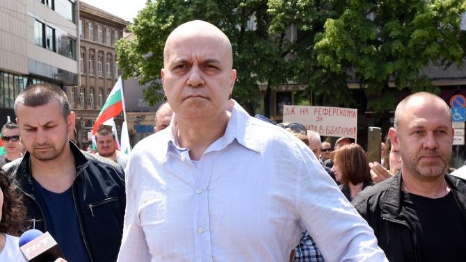 Слави Трифонов: Има нова религия и върховният жрец е Борисов