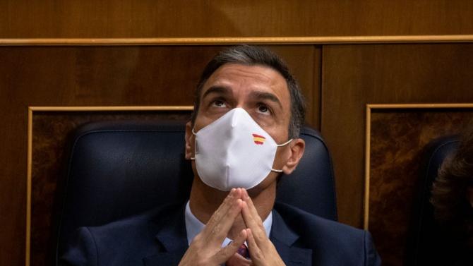 Испанският премиер е готов да се ваксинира публично срещу COVID-19