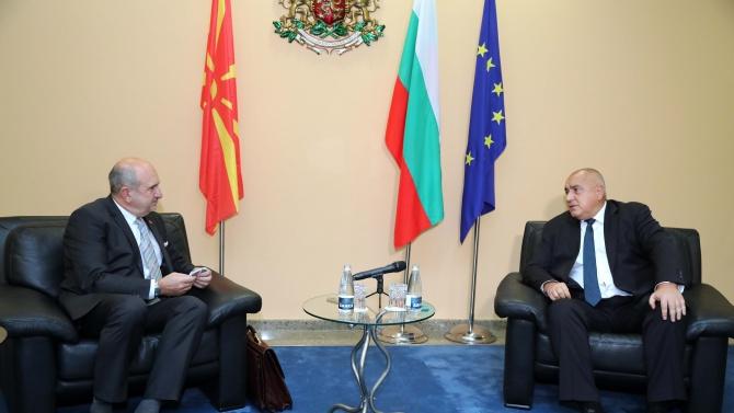 Бойко Борисов и Владо Бучковски обсъдиха ситуацията София-Скопие
