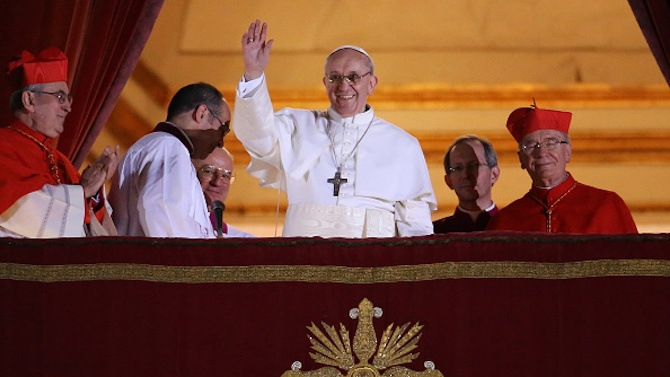 Папа Франциск ще отслужи месата на Бъдни вечер по-рано от обикновено