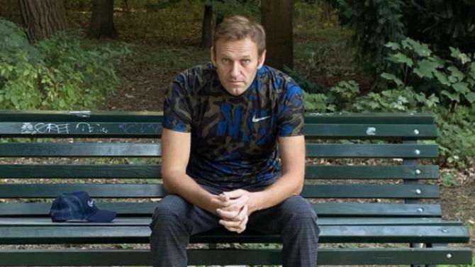 Навални направил номер на таен агент, научил за заговор да бъде убит чрез бельото си