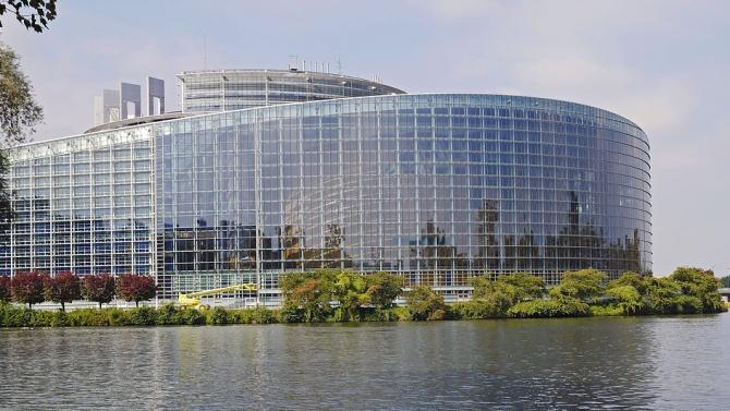 Европарламентът планира да ратифицира споразумението по Брекзит през март