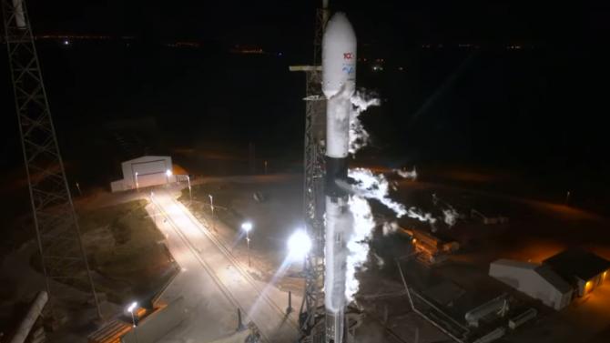 SpaceX изстреля ракета-носител с турски комуникационен спътник