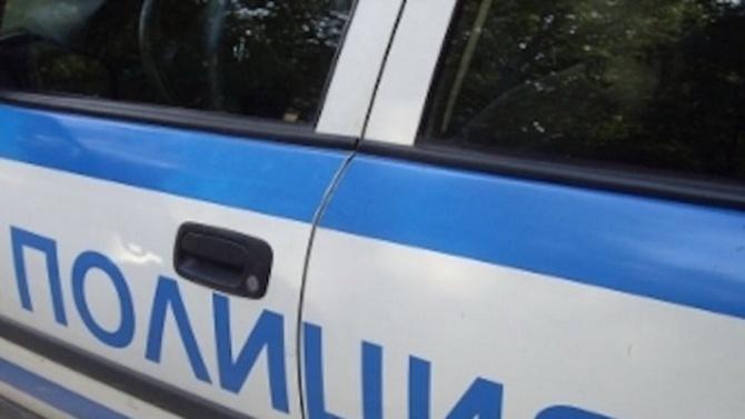 Кола се вряза в автобус от градския транспорт в София