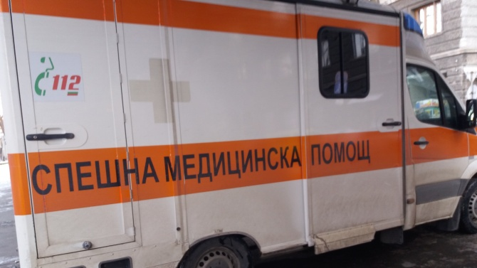 Жена и дете са в болница след катастрофа на пътя Казанлък-Стара Загора