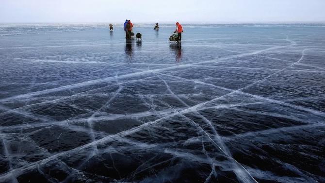 Рускиня постави Гинес рекорд за плуване под лед