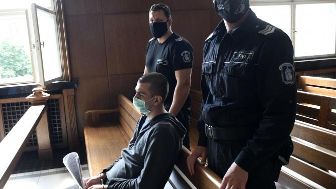 Днес съдът решава присъдата на Викторио, убил приятелката си и дъщеричката си