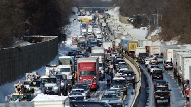 Вижте жестоката верижна катастрофа в Япония, предизвикана от снежната буря