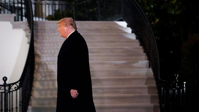 Тръмп към американците: Молете се!