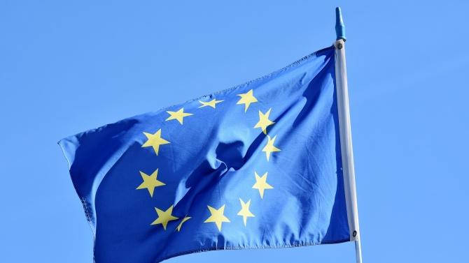 Европа да настоява за спазване на доставките на ваксини, призова наш евродепутат