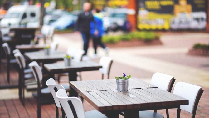 Хотелиери и ресторантьори искат ДДС-то за заведенията да се свали на 5%