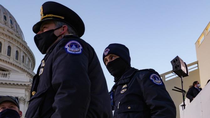 Полицаи са се самоубили след щурма на Капитолия