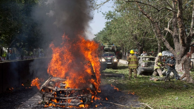 Петима души загинаха при експлозия на кола бомба в сирийския град Африн