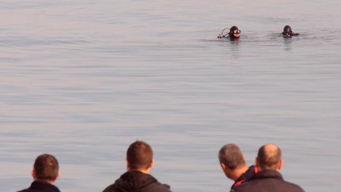 Самоубийство в Бургас, водолази издирват тялото на жена