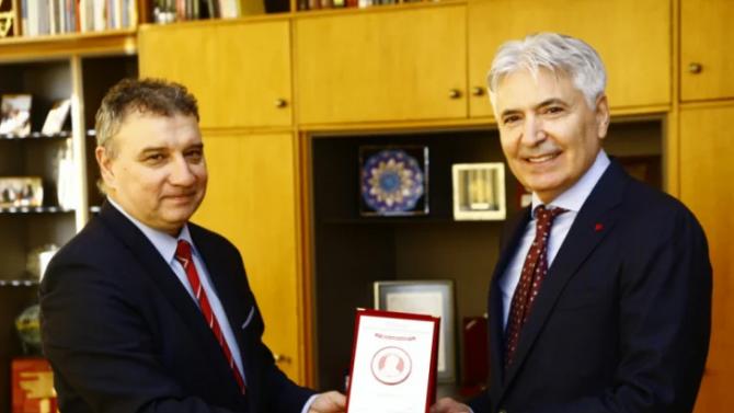 УНСС отличи председателя на Патентното ведомство