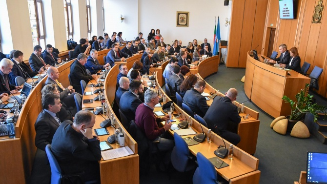 Напрежение между ГЕРБ и Демократична България в София
