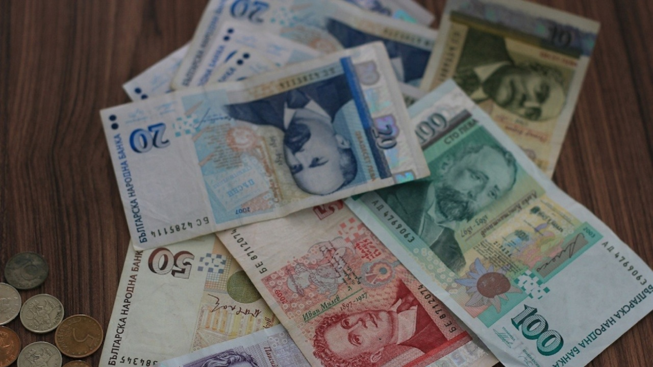 НАП-Хасково е възстановила 33 000 лева от надвзети данъци